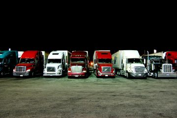 Night-Time-Trucking-is-the-BEST