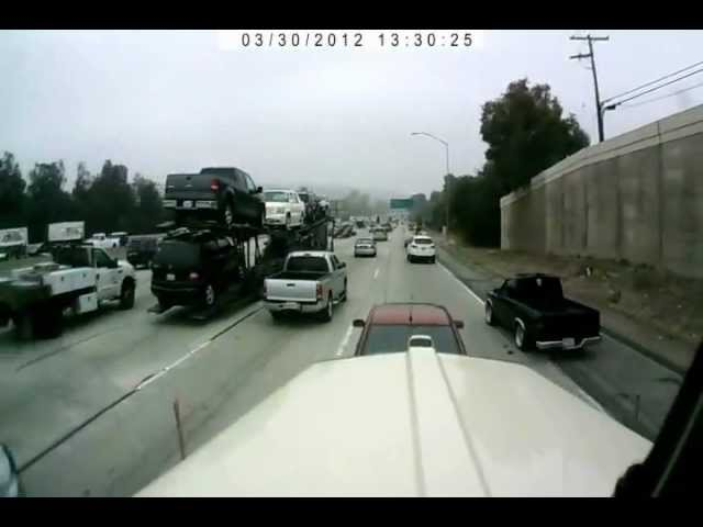 Road-fraud-attempt-on-truck-driver